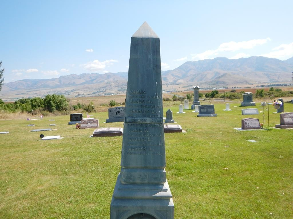 Maxine has relatives buried in Lewiston, UT. So we took a side trip to the cemetary.